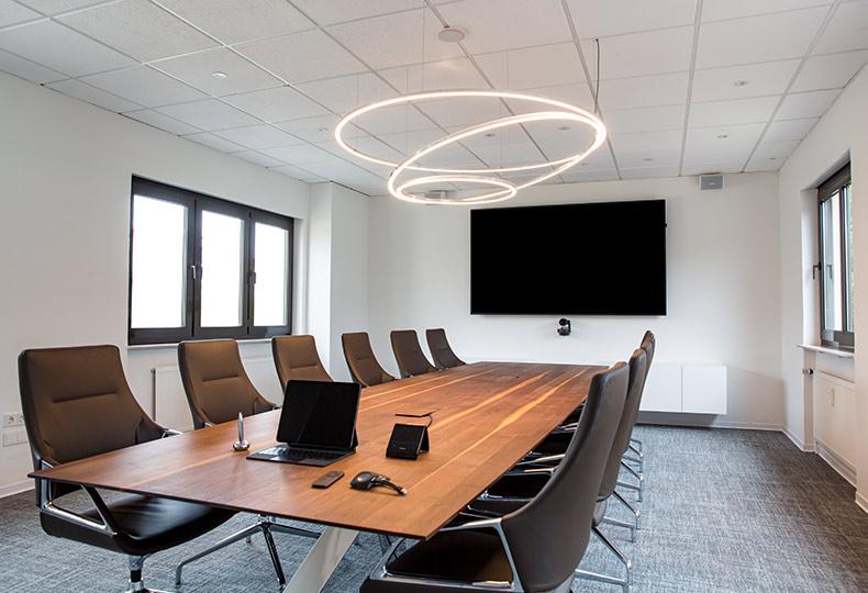 solid-concept-medientechnik-konferenzraum-referenz-steuerberater-2